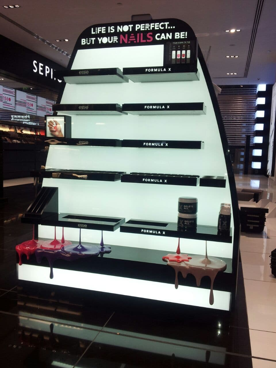 makeup-counter-display